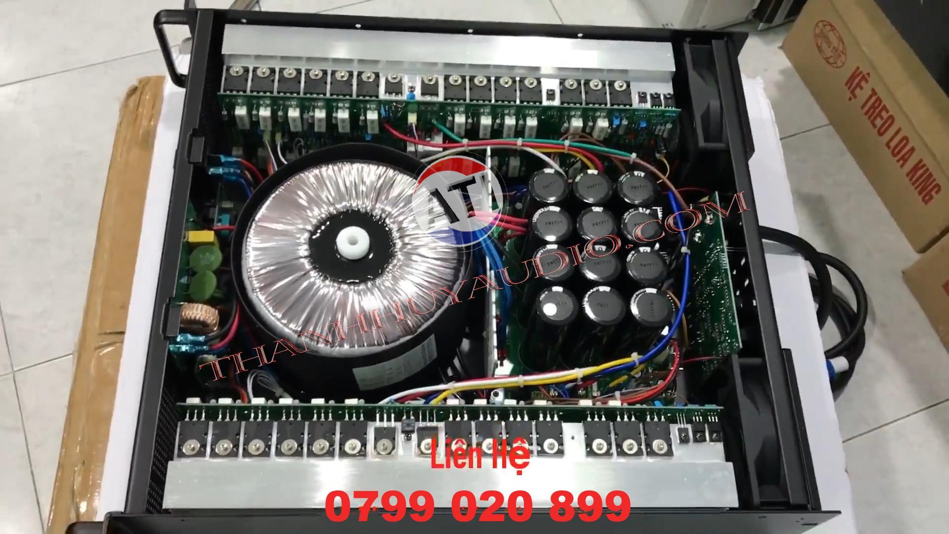 Cục đẩy Crest Audio CA30